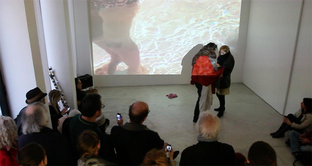 performance Galerie Rue française