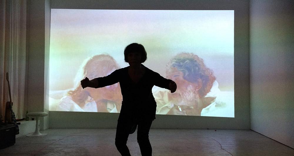 Performance d' Elodie Lachaud avec Guesch Patti et Davide Napoli